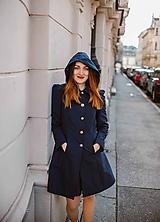 Kabáty - Tmavomodrý plášť s kapucňou - 10602655_
