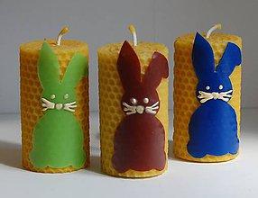 Svietidlá a sviečky - Točená sviečka so zajačikom - 10599430_
