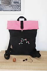 Batohy - Rolltop ružovo čierny s výšivkou - 10599828_