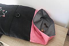 Batohy - Rolltop ružovo čierny s výšivkou - 10599834_