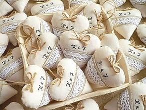 Darčeky pre svadobčanov - Svadobné srdiečka , prírodné - 10605654_