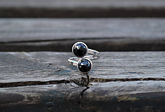 Prstene - Korund - Spinel rhodiovaný strieborný prsteň - 10604187_