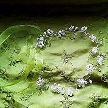 Ozdoby do vlasov - Jemný korálkový kvetinkový venček - 10605801_