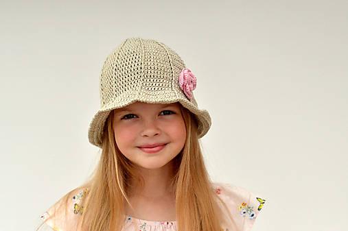 Rozkvitnutý ~ háčkovaný klobúk