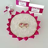 Prstene - Netradičný vankúšik na obrúčky Amarant - 10608493_