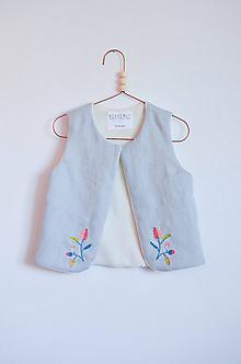 Detské oblečenie - Vesta JUNO vyšívaná - 10609827_