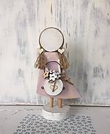 Dekorácie - Anjelik s košíkom kvetov - 10608046_