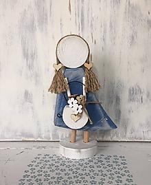 Dekorácie - Anjelik s košíkom kvetov (Modrá) - 10608050_