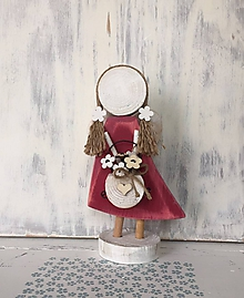 Dekorácie - Anjelik s košíkom kvetov (Červená) - 10608053_