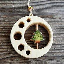Dekorácie - Drevený Stromček v kruhu - 10610761_