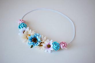 Ozdoby do vlasov - Modrá elastická čelenka s kvetinami - 10611381_