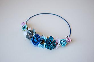 Ozdoby do vlasov - Modrá elastická čelenka s kvetinami - 10611386_