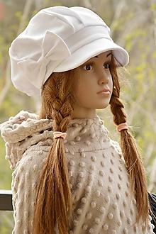 Detské čiapky - Tenšia baretka na jar jeseň biela - 10610456_