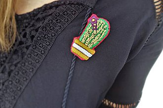 Odznaky/Brošne - ručne vyšívaná brošňa kaktus