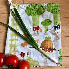 Úžitkový textil - Zero waste Zeleninoví kamoši (Brokolicová rodinka - vrecúško) - 10615245_