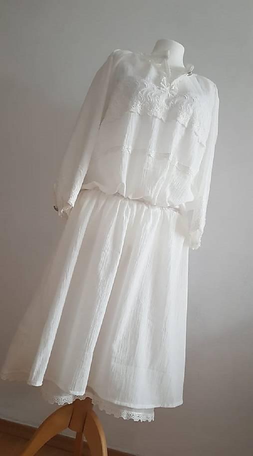 Románske šaty