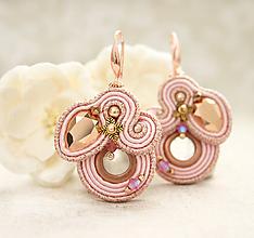 Náušnice - Ružové zlato so štipkou ružovej /šujtášové náušnice/ - 10616402_