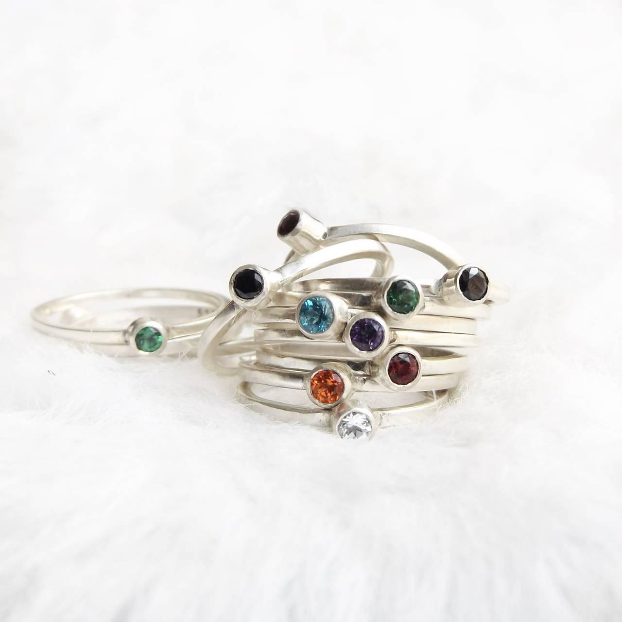 Stříbrný prsten s topazy