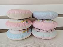 Textil - Vankúšik - lietajúce dievčatko ružové - 10616834_