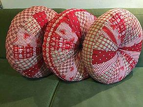 Úžitkový textil - červený podsedák PUF - 10617460_