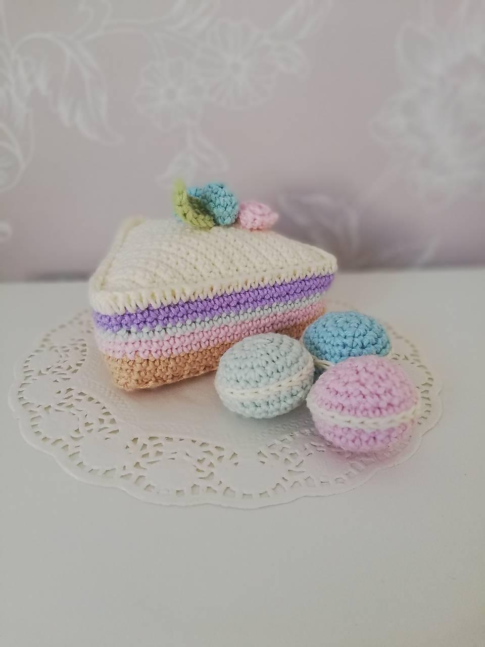 Hračky - Háčkovaná tortička - trojuholník  - 10621020_