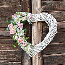 Dekorácie - Svadobné srdce s ružami - 10620640_