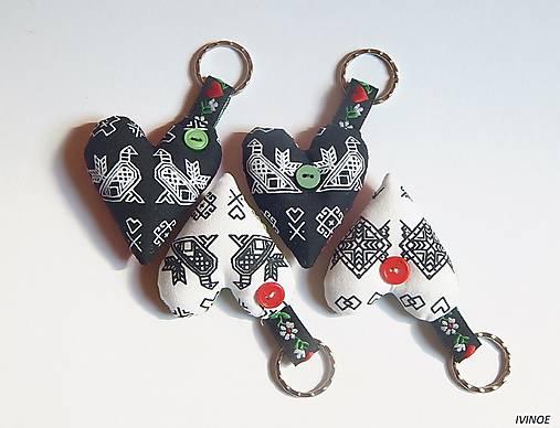 9dafed66a Prívesky na kľúče - folk motív / ivinoe - SAShE.sk - Handmade Kľúčenky