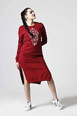 Teplákové šaty bordové s výšivkou