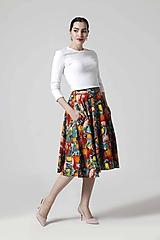 Sukne - Sukňa kruhová midi s pestrofarebným vzorom - 10624940_