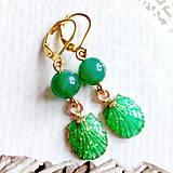 Náušnice - Green Agate & Shell Golden Earrings / Náušnice so zeleným achátom a mušľami #2074 - 10623921_