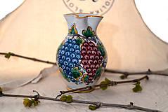 Nádoby - Farebný džbán na víno s hroznom - 10623022_