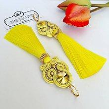 Náušnice - Ručne šité šujtašové náušnice so Swarovski®️crystals / Soutache earrings - Swarovski (Ticiana - žltá/zlatá) - 10623335_