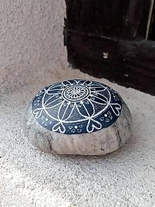 Dekorácie - Kresba na indigu - Na kameni maľované - 10623381_