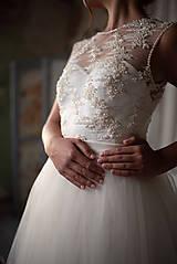 Šaty - Svadobné šaty z korálkového tylu a veľkou tylovou sukňou - 10625067_