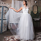 Šaty - Svadobné šaty z korálkového tylu a veľkou tylovou sukňou - 10625068_