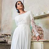 Šaty - Svadobné šaty z hrubej krajky v boho štýle s dlhým rukávom a holým chrbátom - 10625249_