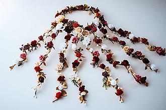 Ozdoby do vlasov - Romantický bordový kvetinový pletenec - 10623715_