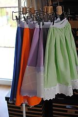 Detské oblečenie - Zelená suknička s madeirou - 10624512_