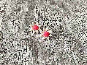 Náušnice - mini margarétky s neon stredom - napichovačky (ružový stred) - 10623285_