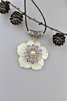 Náhrdelníky - perleť prívesok luxusný AKCIA! - 10626162_