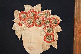 Socha - Žena s vlčími makmi - keramický reliéf - 10628420_