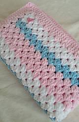 Hačkovaná detská deka - ružovomodrá