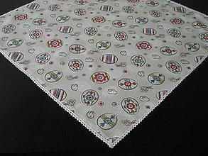 Úžitkový textil - Veľkonočný obrus s bielou čipkou - 10630886_