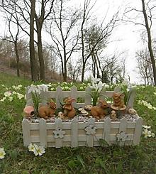 Dekorácie - Jarná dekorácia so zajačikmi - 10632086_