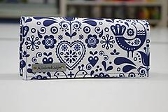 Modro-biela folk vtáčiková peňaženka