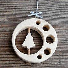 Dekorácie - Drevený zvonček v kruhu - 10629032_