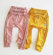 Detské oblečenie - Rastúce tepláky  - 10629068_
