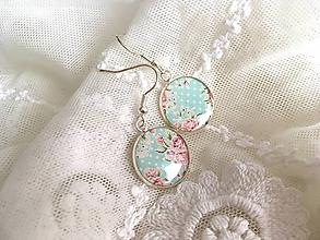 Náušnice - Náušničky s ružovými kvietkami na mint bodkovanom podklade - 10630783_