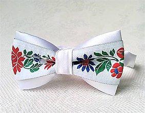 Detské doplnky - Folklórny detský motýlik (biely) - 10632523_