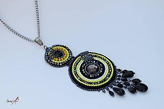 Náhrdelníky - náhrdelník kruhy čierno-žlté - 10632596_